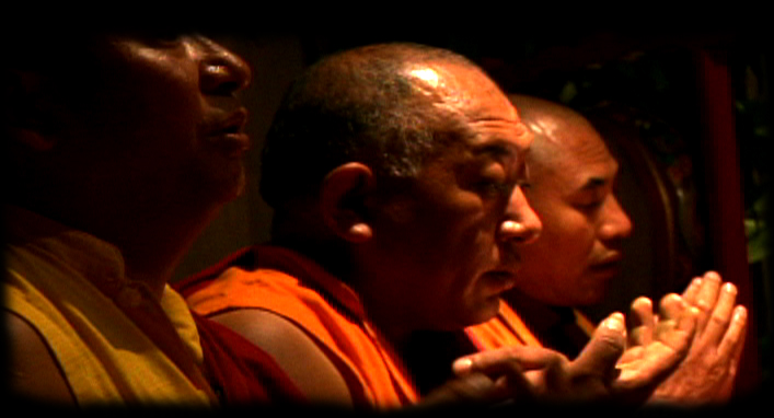 monks-chanting-n-mandala.jpg